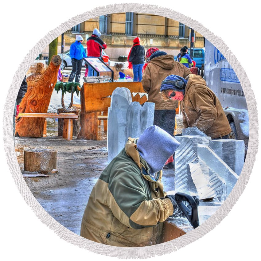 Round Beach Towel featuring the photograph Winter Fest Artist by Michael Frank Jr