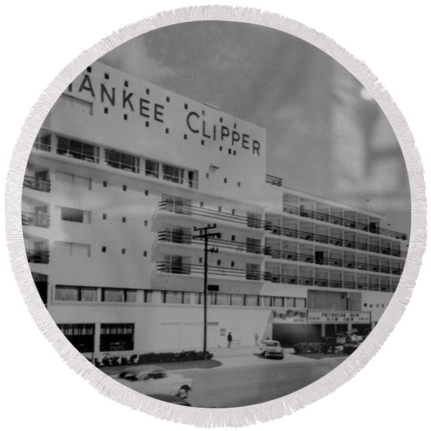 Yankees Round Beach Towel featuring the photograph Yankee Clipper by Rob Hans