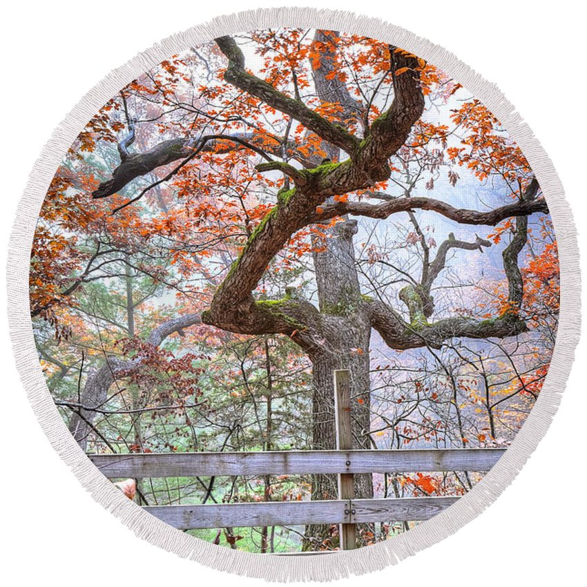 Starved Round Beach Towel featuring the photograph 0981 Fall Colors At Starved Rock State Park by Steve Sturgill