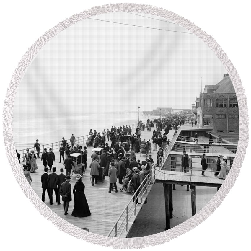 1900 Round Beach Towel featuring the photograph Atlantic City: Boardwalk by Granger
