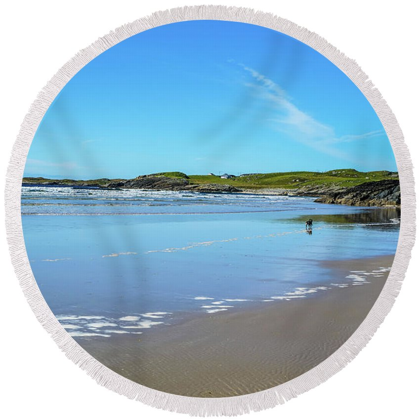 Ireland Round Beach Towel featuring the photograph Beautiful Beach by Ric Schafer