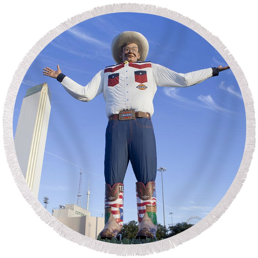 Big Tex Round Beach Towel featuring the photograph Big Tex In Dallas Texas by Anthony Totah