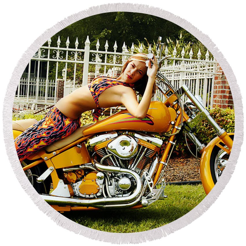 Clay Round Beach Towel featuring the photograph Bikes And Babes by Clayton Bruster