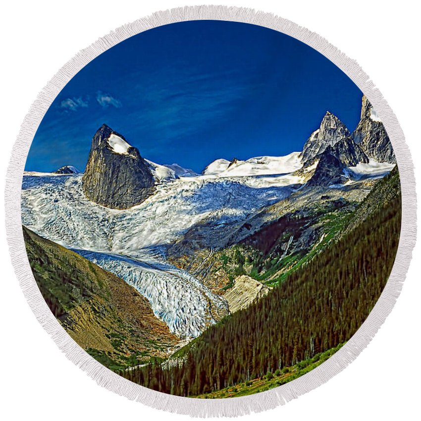 Mountains Round Beach Towel featuring the photograph Bugaboo Spires by Steve Harrington