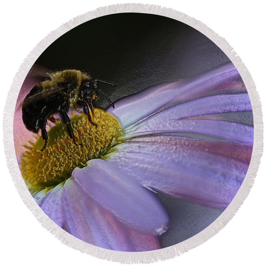 Bee Round Beach Towel featuring the photograph Bumble Bee On Flower by Ronnie Corn