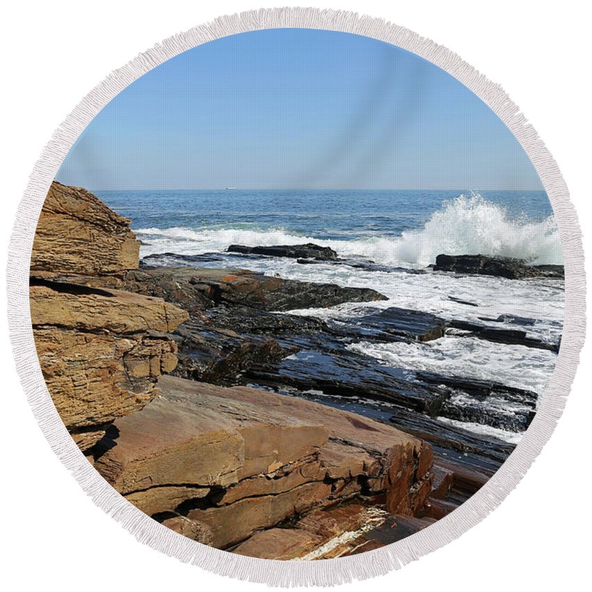 Maine Round Beach Towel featuring the photograph Cape Elizabeth, Maine by Steve Gass