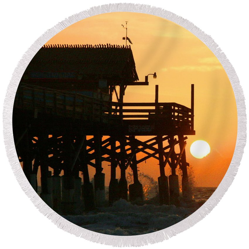 Wgilroy Round Beach Towel featuring the photograph Cocoa Beach Pier/sunrise by W Gilroy