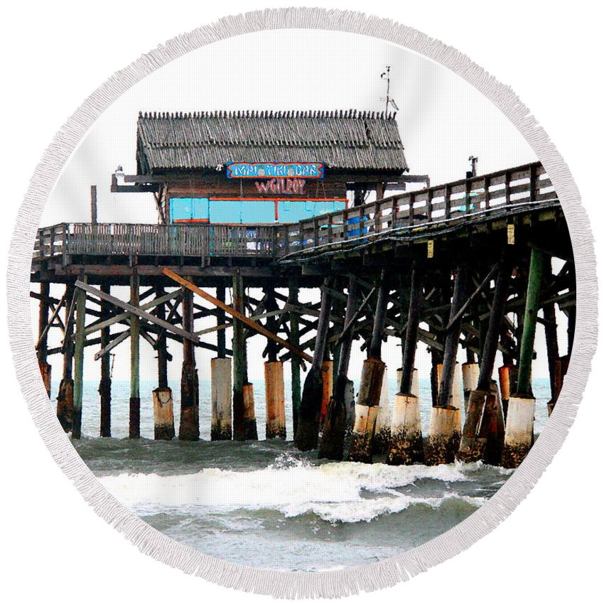 Wgilroy Round Beach Towel featuring the photograph Cocoa Beach Pier by W Gilroy