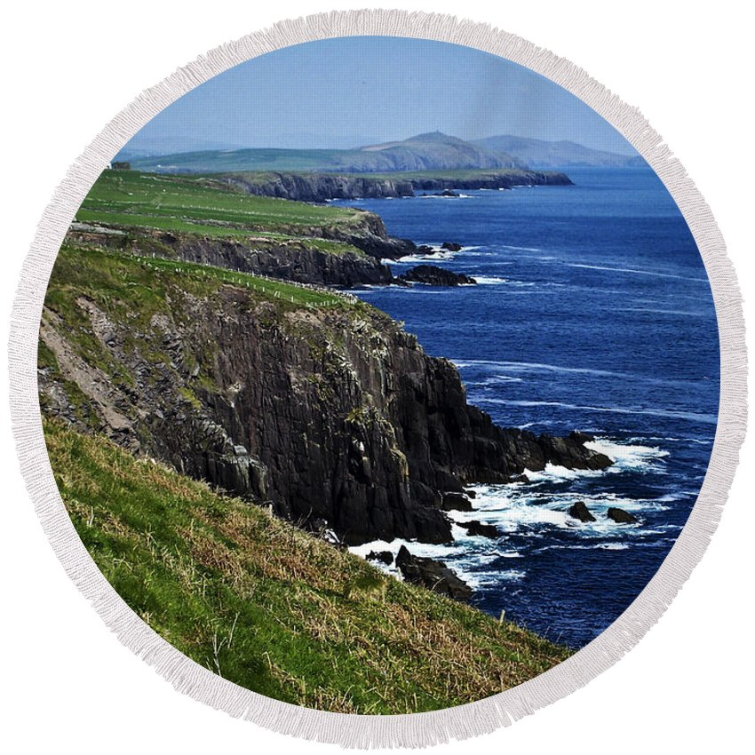 Irish Round Beach Towel featuring the photograph Dingle Coastline Near Fahan Ireland by Teresa Mucha