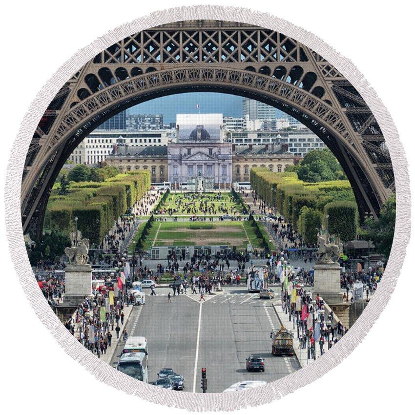 Paris Round Beach Towel featuring the photograph Eiffel Tower Paris by Lynn Bolt