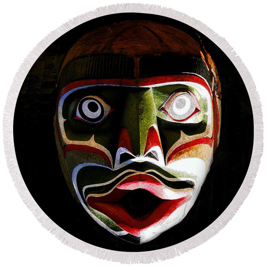 Totem.face Round Beach Towel featuring the painting Face Of Totem by David Lee Thompson