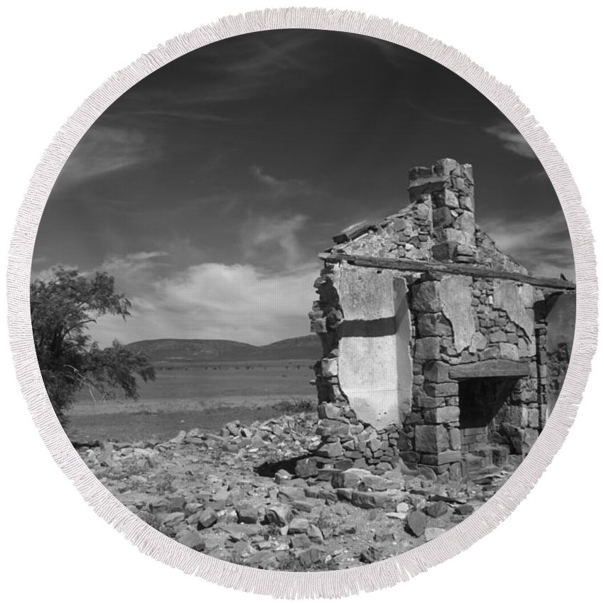 Cottage Round Beach Towel featuring the photograph Farmhouse Cottage Ruin Flinders Ranges South Australia by Ralph A Ledergerber-Photography