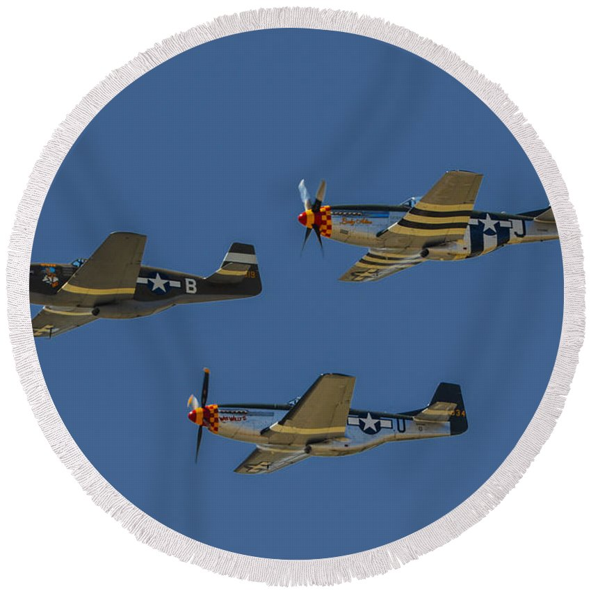 2014 Planes Of Fame Air Show Round Beach Towel featuring the photograph Flight Of Ponies by Tommy Anderson