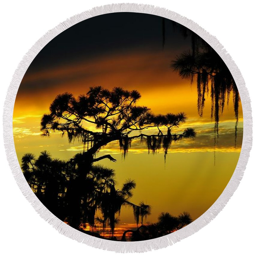 Sunset Round Beach Towel featuring the photograph Central Florida Sunset by David Lee Thompson