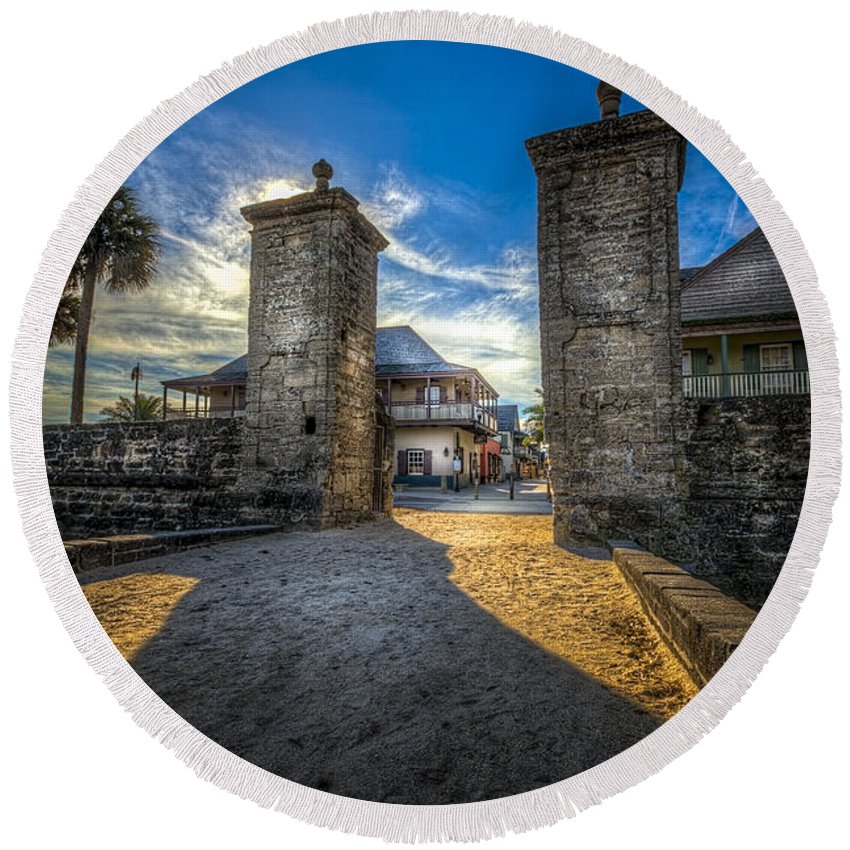 Fort Round Beach Towel featuring the photograph Gate To The City 2 by Marvin Spates