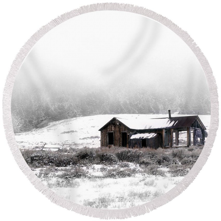 Cabin Round Beach Towel featuring the photograph Ghost Town by Leland D Howard