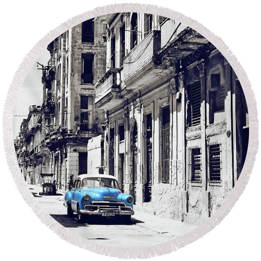 Havana Round Beach Towel featuring the photograph Havana, Cuba - Classic Car by Chris Andruskiewicz