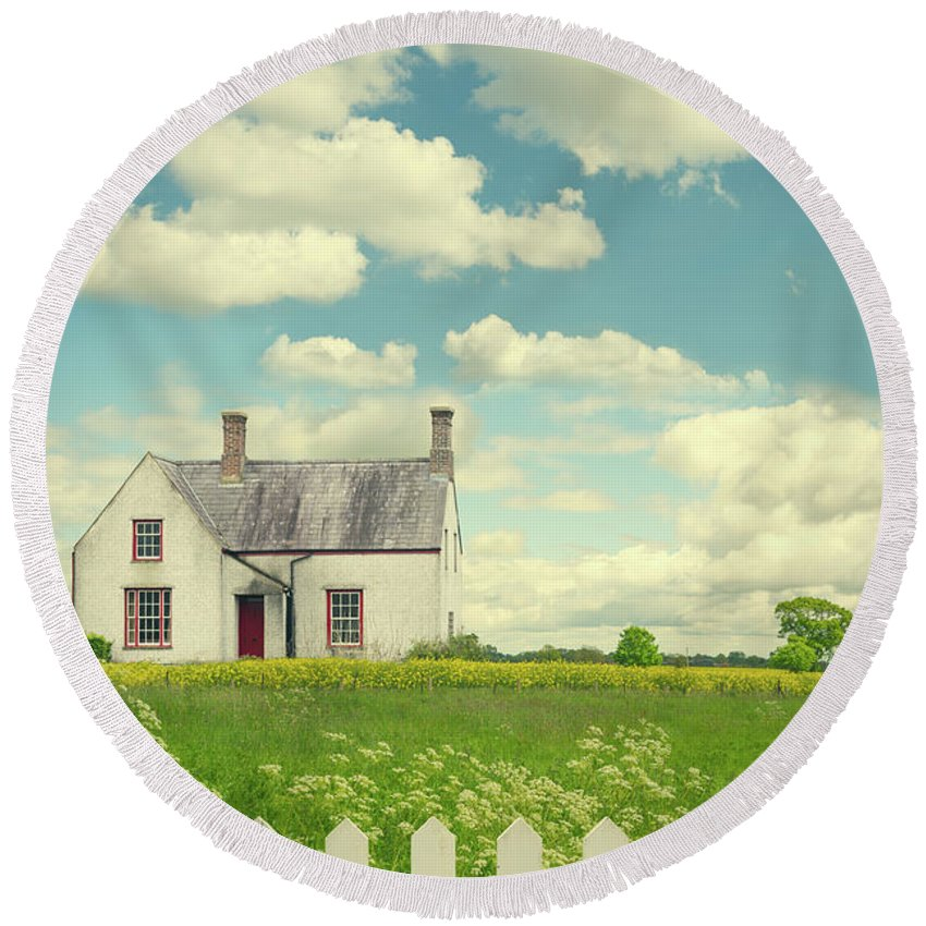 Little Round Beach Towel featuring the photograph House In The Countryside by Amanda Elwell