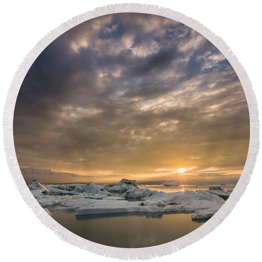 Photography Round Beach Towel featuring the photograph Icebergs On The Jokulsarlon Glacial by Panoramic Images
