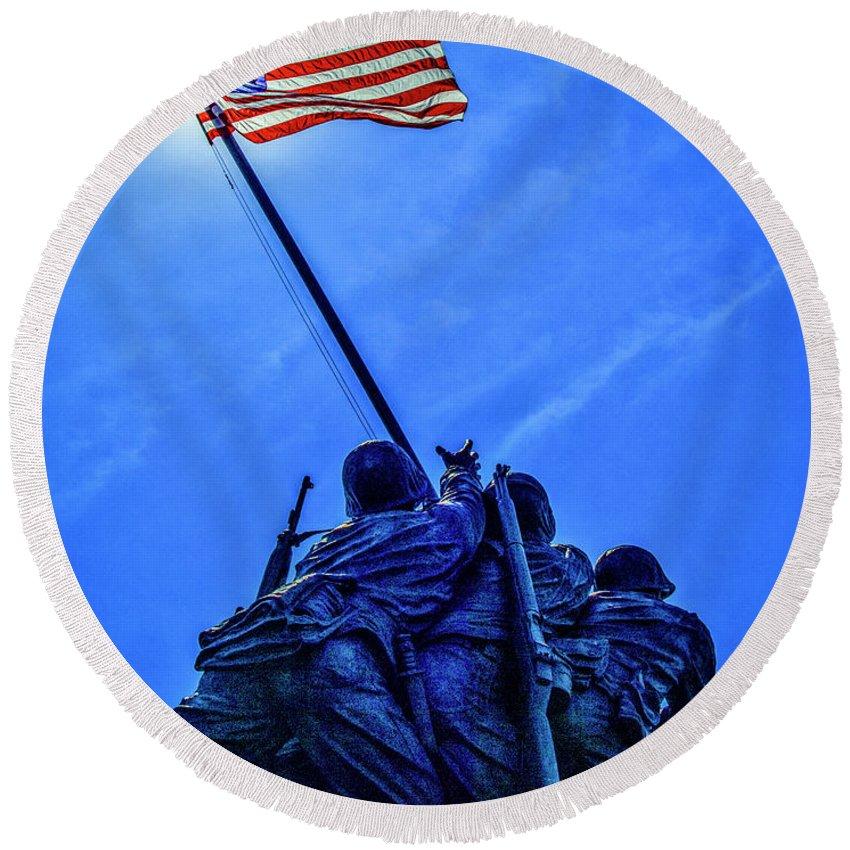 American Flag Round Beach Towel featuring the photograph Iwo Jima Memorial by Vito Palmisano