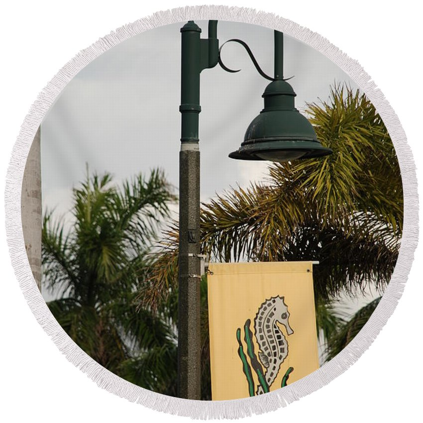 Sea Horse Round Beach Towel featuring the photograph Lantana Lamp Post by Rob Hans