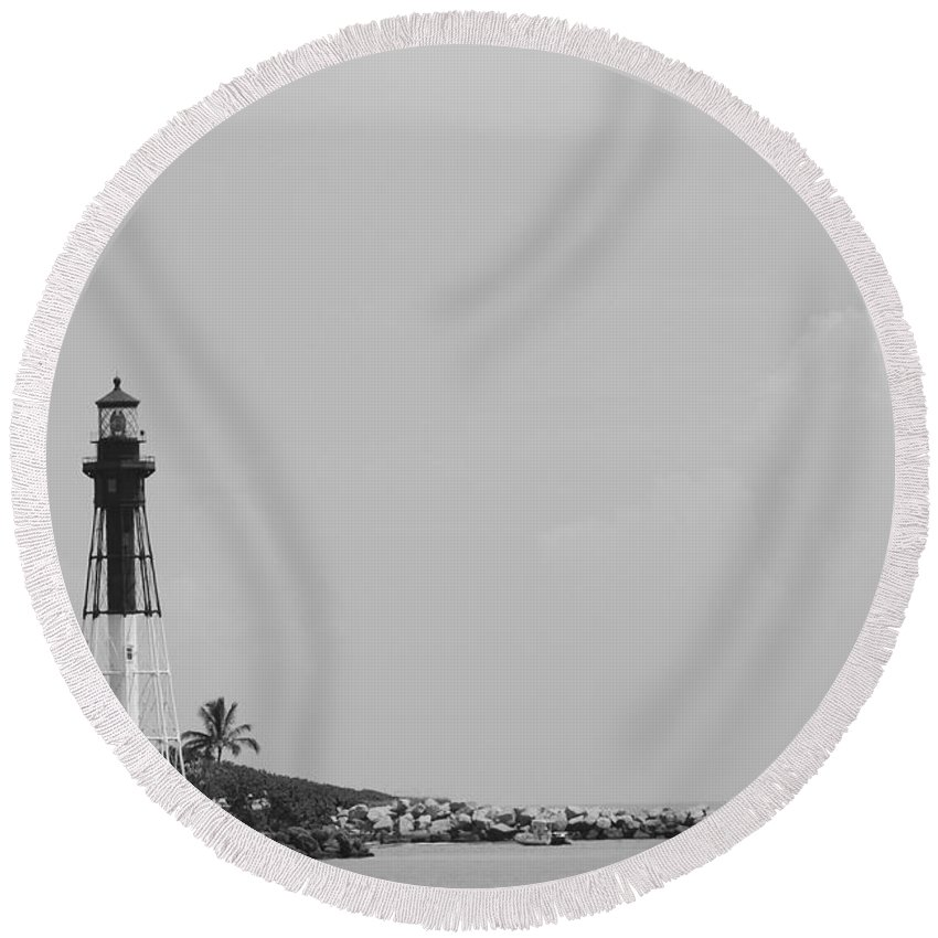 Landscape Round Beach Towel featuring the photograph Lighthouse Point by Rob Hans