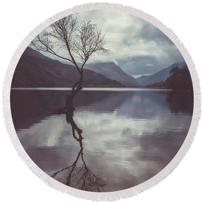 Landscape Round Beach Towel featuring the photograph Lone Tree At Llyn Padarn by Amanda Elwell