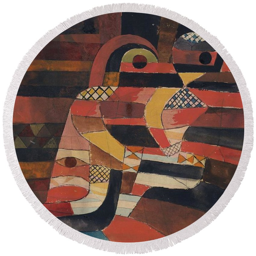 Paul Klee Lovers Round Beach Towel featuring the painting Lovers by Paul Klee