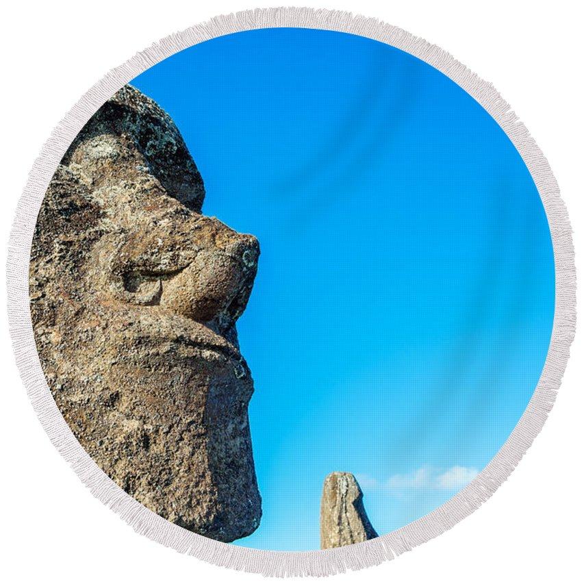 Chile Round Beach Towel featuring the photograph Moai Closeup by Jess Kraft