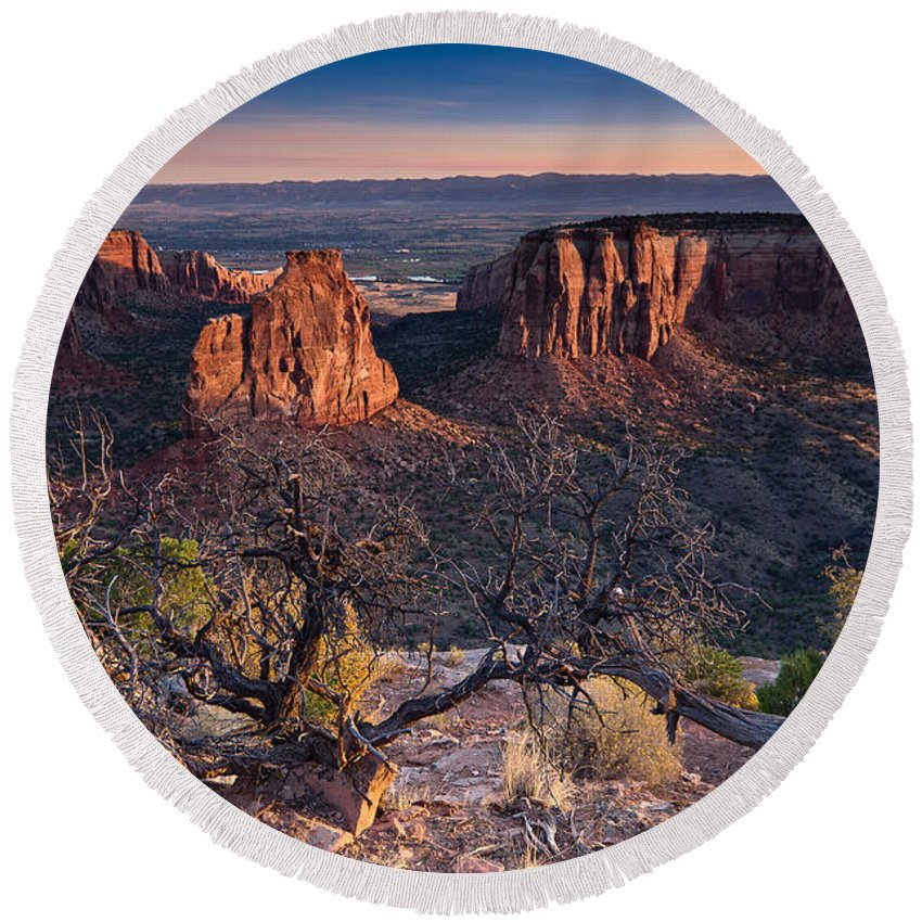 Colorado National Monument Round Beach Towel featuring the photograph Morning At Colorado National Monument by Greg Nyquist