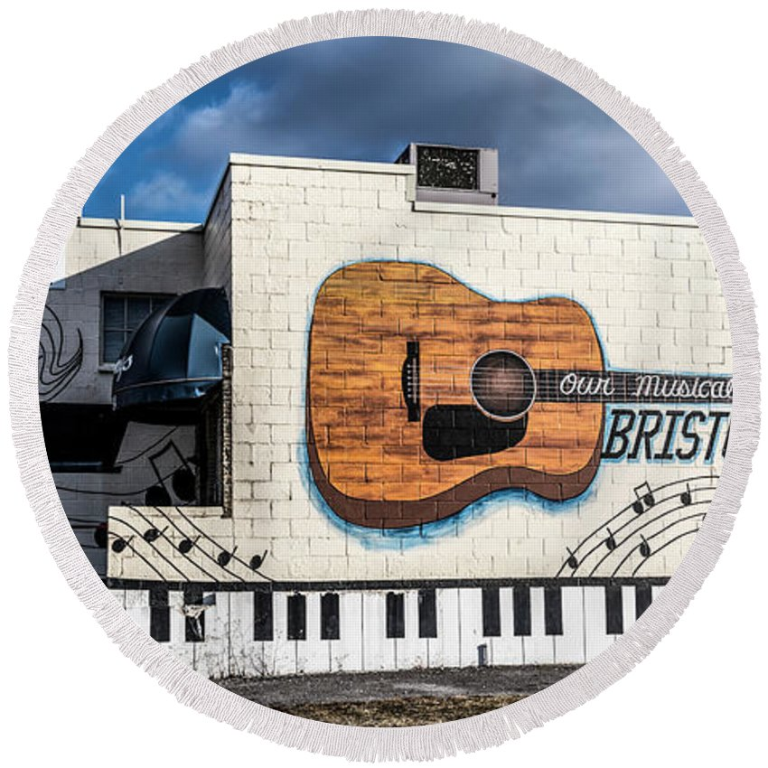 Mural Round Beach Towel featuring the photograph Mural - Downtown Bristol Tennessee/virginia by Dion Wiles