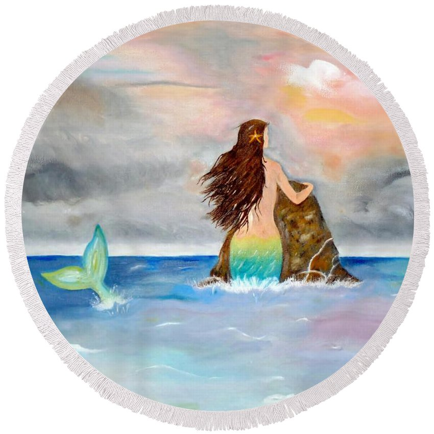 Mermaid Round Beach Towel featuring the painting Mysteen The Mystical Queen Of The Sea by Lynne Messeck