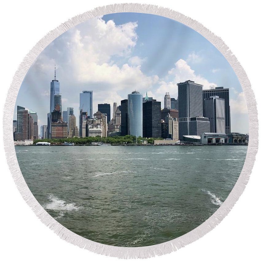 New York Skyline Round Beach Towel featuring the photograph New York Skyline by Flavia Westerwelle