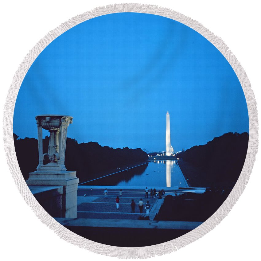Night View Of The Washington Monument Across The National Mall (photo)washington Round Beach Towel featuring the photograph Night View Of The Washington Monument Across The National Mall by American School