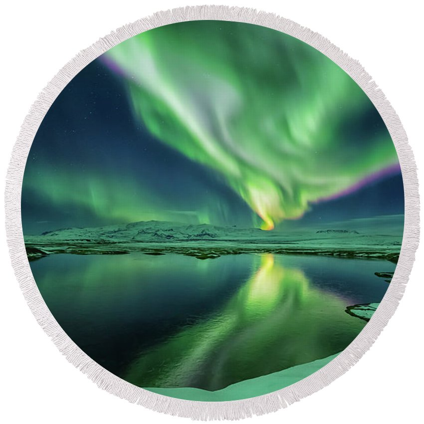Northern Lights Round Beach Towel featuring the photograph Northern Lights by Bragi Kort