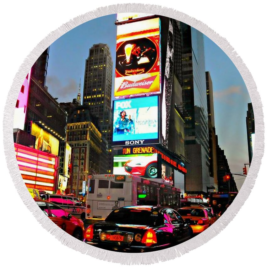 Times Square Round Beach Towel featuring the photograph Rush by Diana Angstadt