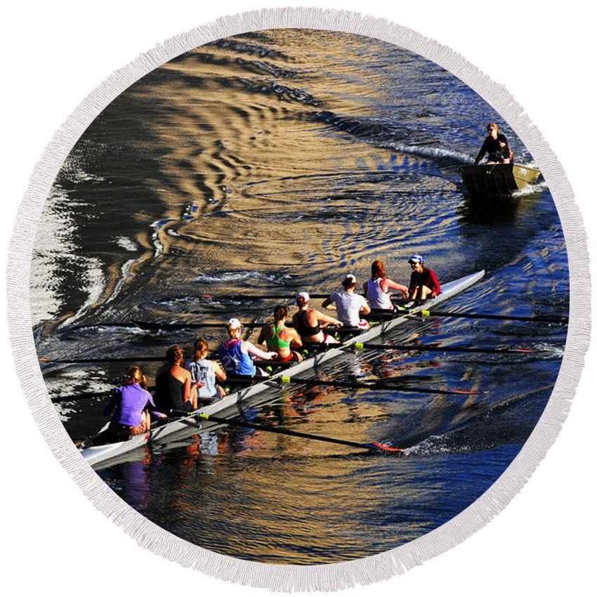 Sculling The Hillsborough River Round Beach Towel featuring the photograph Sculling The Hillsborough by David Lee Thompson