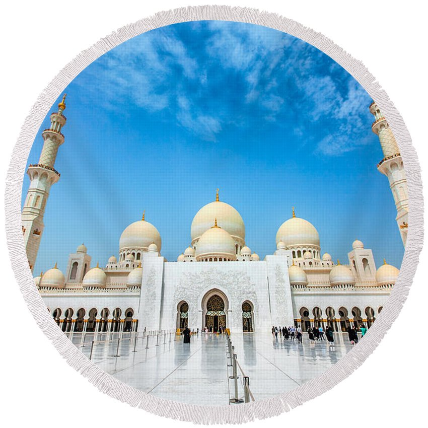 Uae Round Beach Towel featuring the photograph Sheikh Zayed Grand Mosque by Sergey Nosov