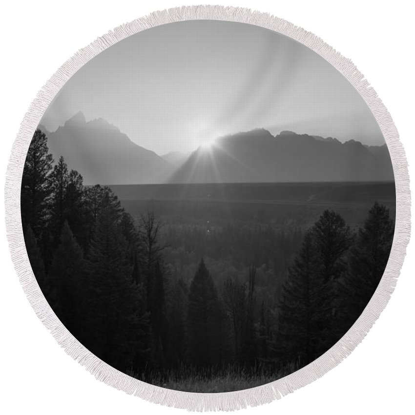Wyoming Sunset Round Beach Towel featuring the photograph Snake River Sunset Bw by Michael Ver Sprill
