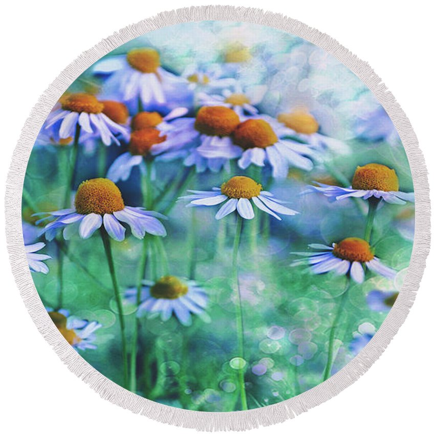 Summer Round Beach Towel featuring the photograph Summer Serenity by Pixabay