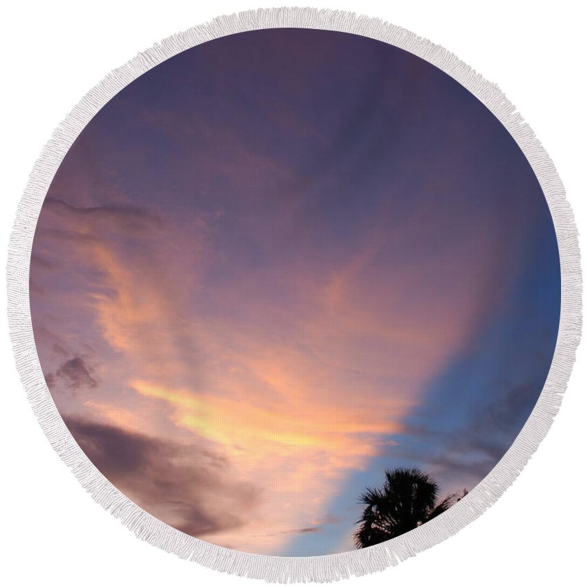 Sunset Round Beach Towel featuring the photograph Sunset At Pine Tree by Rob Hans