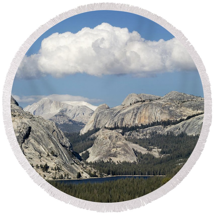 Tenaya Round Beach Towel featuring the photograph Tenaya Lake From Olmstead Point by Bob Neiman