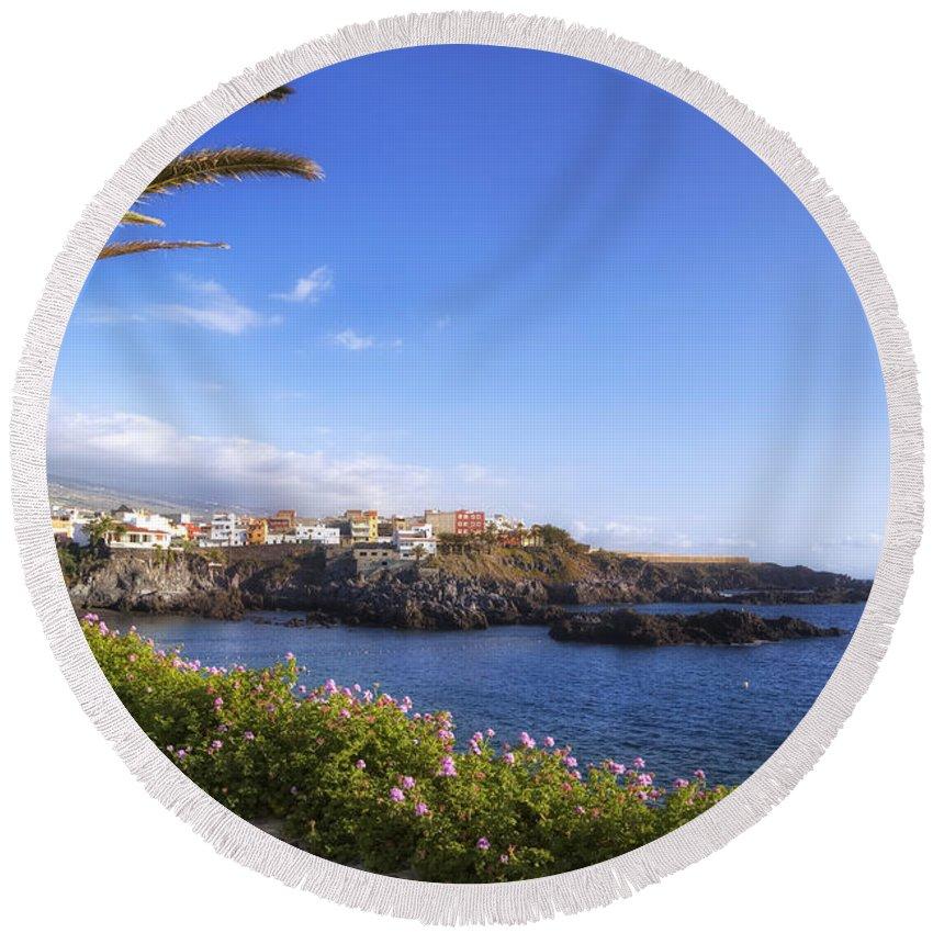 Alcala Round Beach Towel featuring the photograph Tenerife - Alcala by Joana Kruse