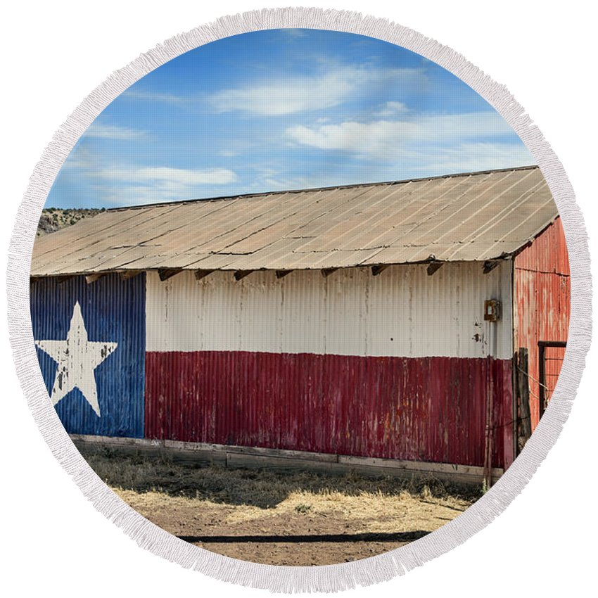 Texas Round Beach Towel featuring the photograph Texas State Flag On A Texan Ranch Barn by Mountain Dreams