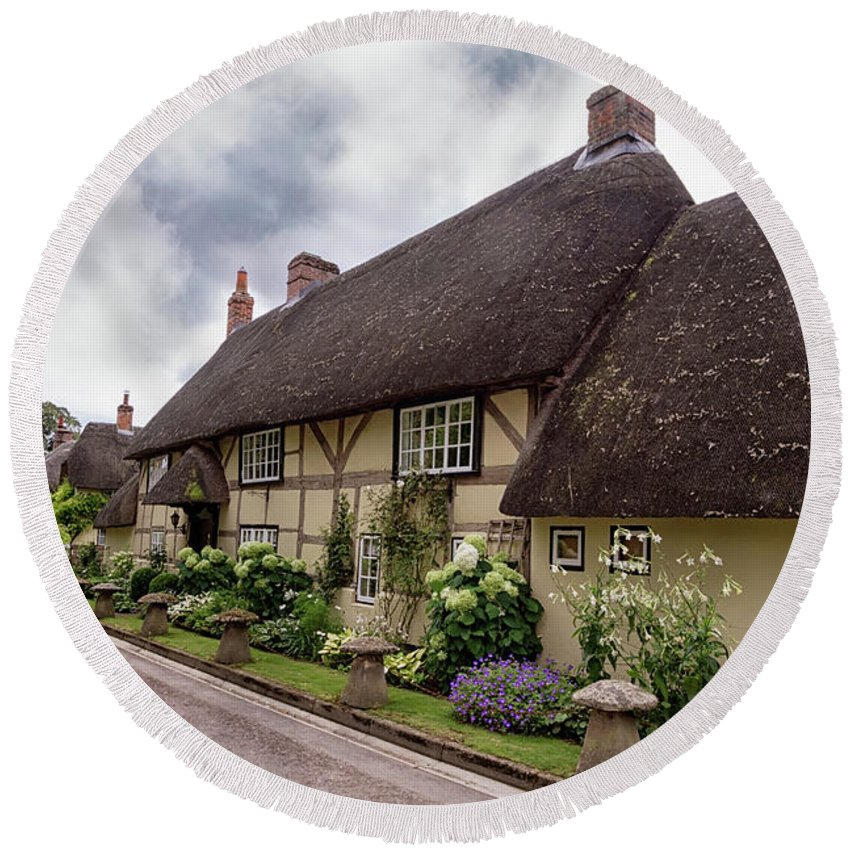 Cottage Round Beach Towel featuring the photograph Thatched Cottages Of Hampshire 20 by Shirley Mitchell