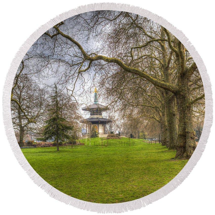 Pagoda Round Beach Towel featuring the photograph The Pagoda Battersea Park London by David Pyatt