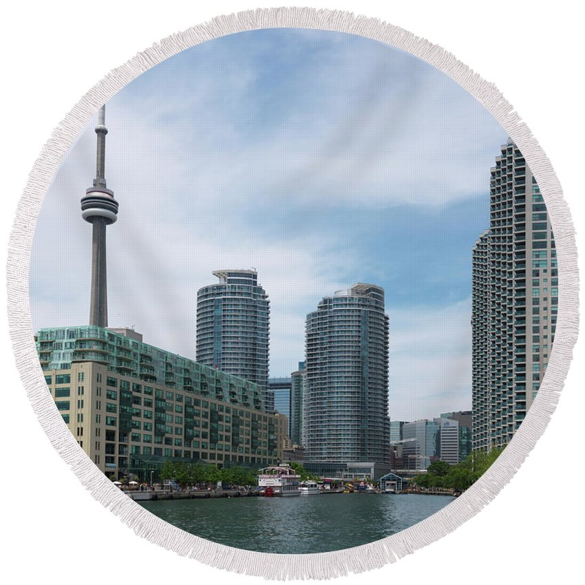 Toronto Round Beach Towel featuring the photograph Toronto Harbourfront by Maxim Images Prints