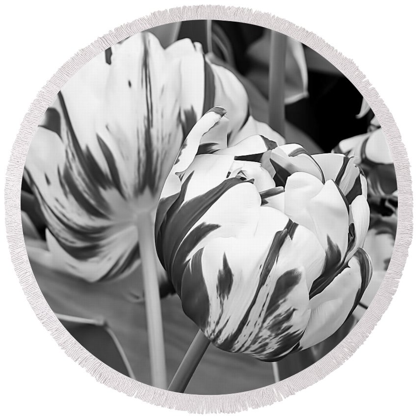Flowers Round Beach Towel featuring the photograph Tulip 11 by Ingrid Smith-Johnsen
