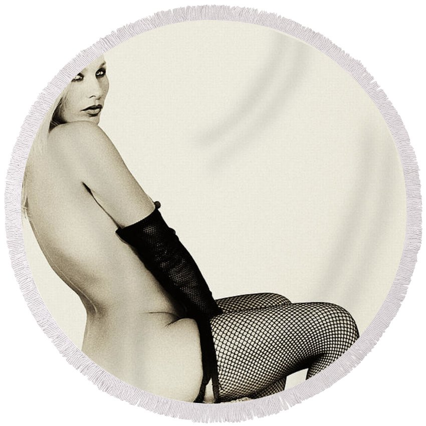 Clay Round Beach Towel featuring the photograph Vintage Pinup Glamour by Clayton Bruster