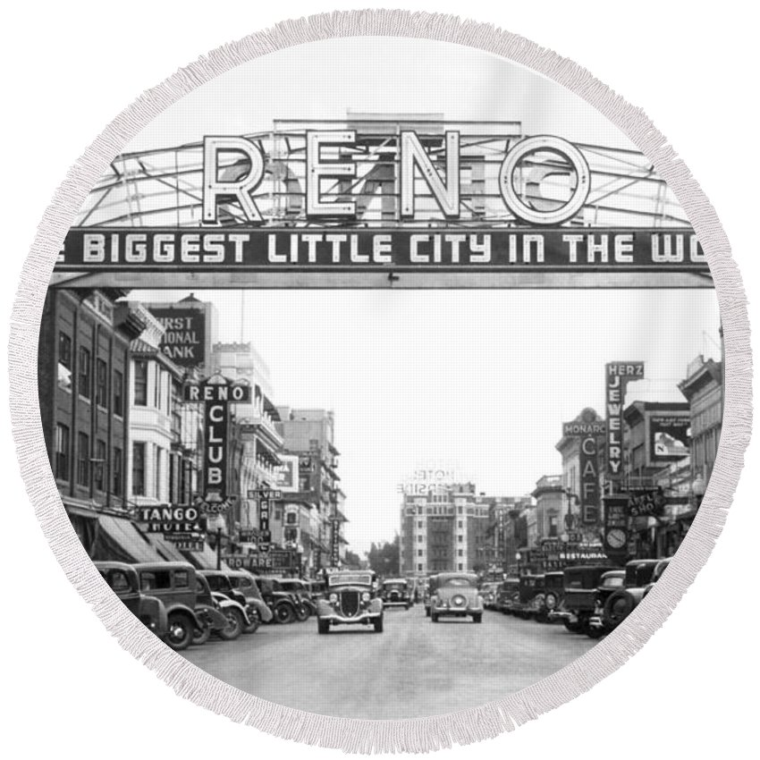 1920s Round Beach Towel featuring the photograph Virginia Street In Reno by Underwood Archives